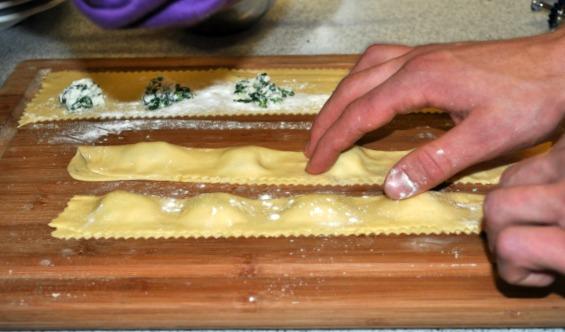 shaping ravioli