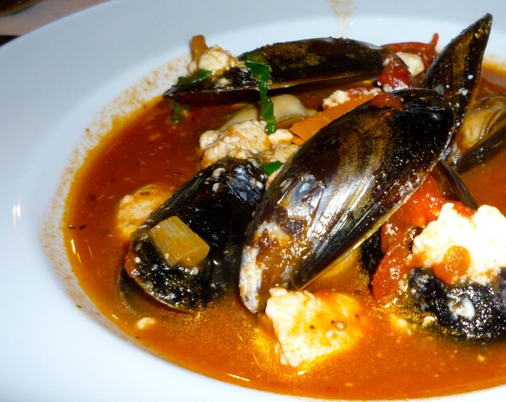 Don Genova's Mussels Saganaki